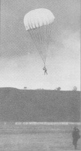 Jean Bourhis-Aviateur, Précurseur du Parachutisme BourhisParachute210214B